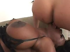Gorgeous big booty ebony slut poked