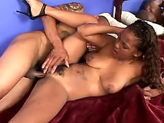 Sexy ebony fucks herself with dildo